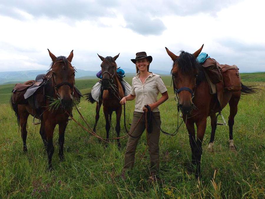Kathrin_Hoeckel_Adventure_Les_Cavalières_du_Caucase